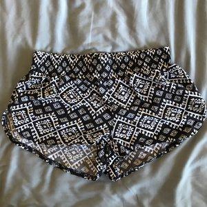 (5/$10) Black and white lounge shorts